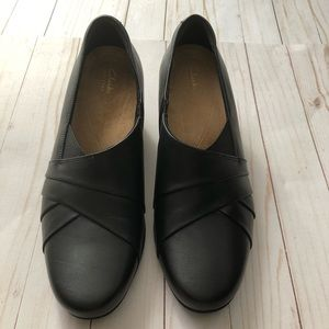 Clark's Leather slips on Slides Loafers
